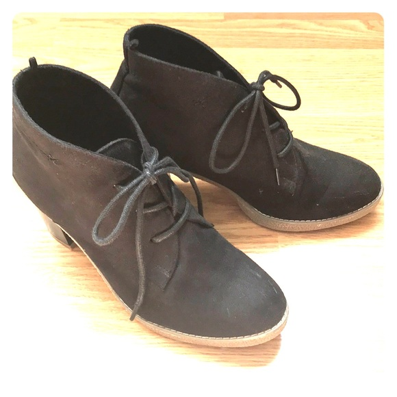 Old Navy Shoes - Black lace up ankle boot